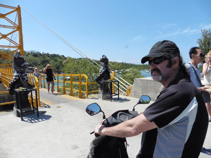 hiring motorbike nusa lembongan